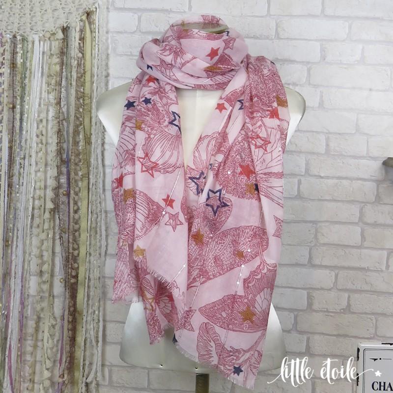 Gris argent. Grand foulard imprimé Papillons et Etoiles, avec détails  argentés en sequins 94957c459aa